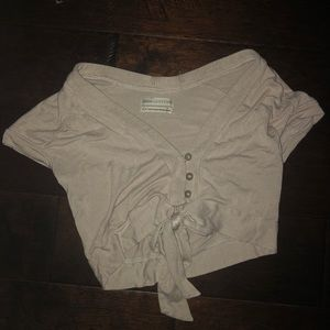 URBAN OUTFITTERS BEIGE CROP TOP WITH BOW